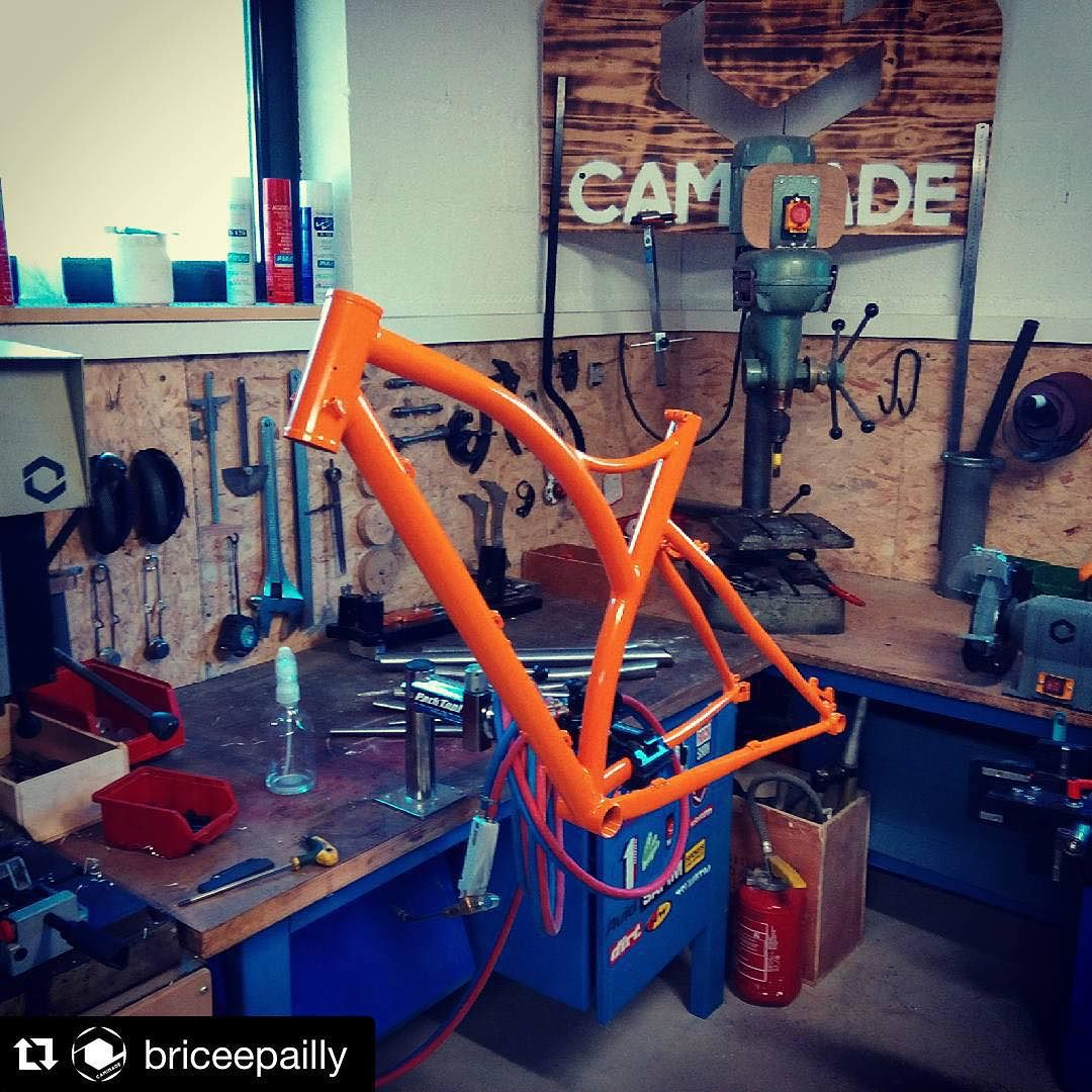 Brève #gravelbike #gravel #opentheroad #caminade #madeinfrance #steelframe #handmade