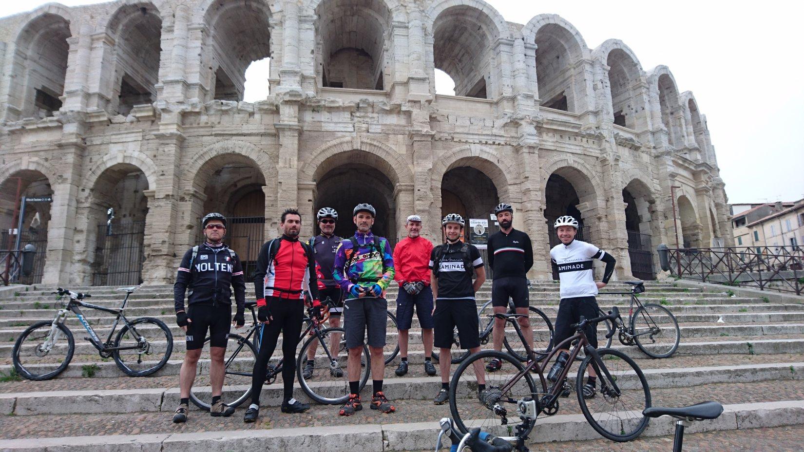 Départ des arènes de Arles