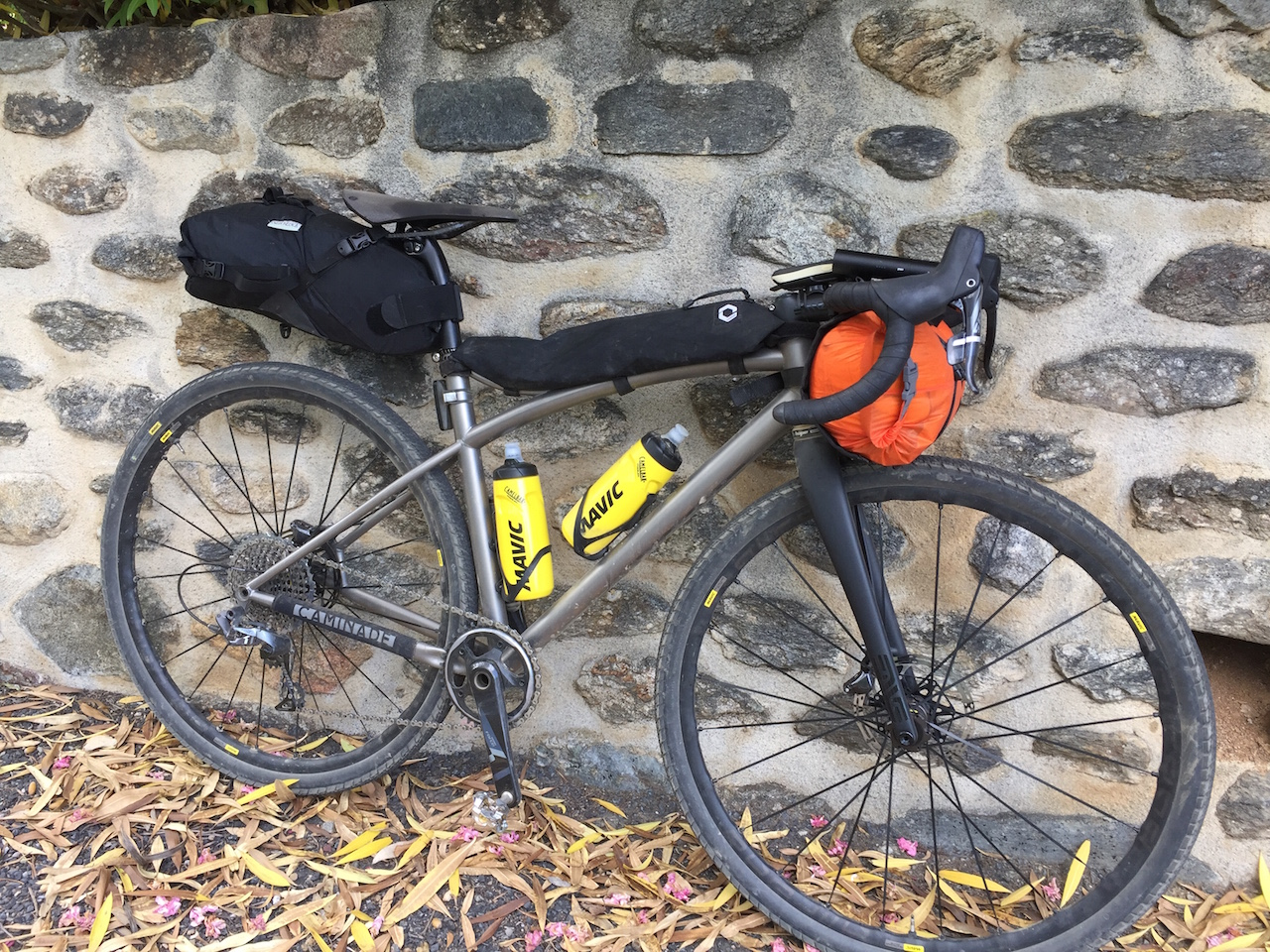 velo gravel bikepacking