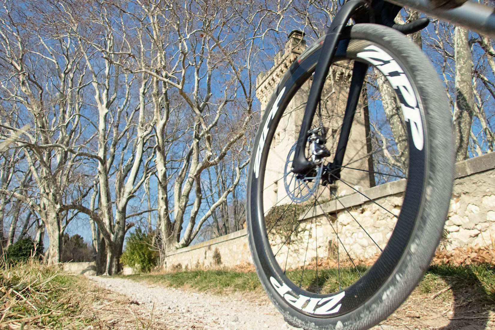 roue zipp velo gravel titane